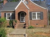 Charming 2 Bedroom 1 Bath Home in Shelby