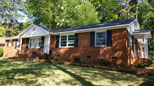 Completely Renovated 2 Bed 1 Bath Duplex