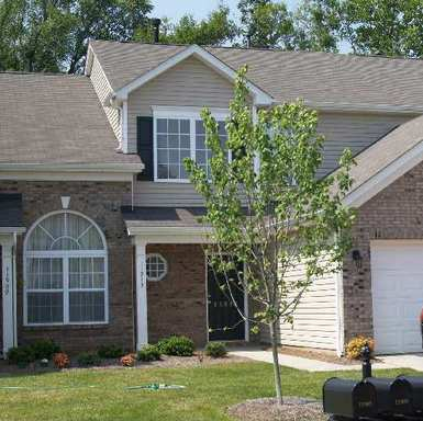 2 Bedroom 2.5 Bath Town Home in Pineville